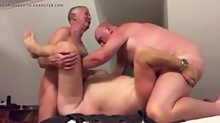 Old daddy gets spitroasted by two grandpas