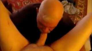 Old grandpa is a master in giving a blowjob