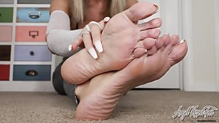 Stroke your Dick For My Bare Feet - JOI POV Soles - Nikki Ashton