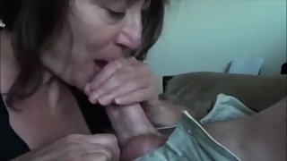 Mature mom sucking dick and get cum in mouth