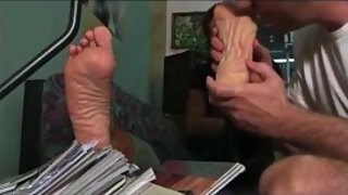 Mature Valerie feet