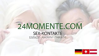 Deutsch: Grandma sucking grandpa's balls and cum