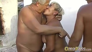 OmaPasS Amateur Granny Having Fun With Sex Toys