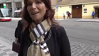 Mature american MILF enjoying anal sex with stranger in Prague