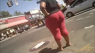 BIG BOOTY EBONY IN TIGHT RED PANTS CANDID CAM