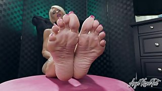 My Bare Feet Take your Cum - Feet JOI - Nikki Ashton