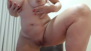 masturbating pussy and showing ass to a skype fan
