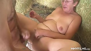Mature German Housewife wants to experiment new dicks