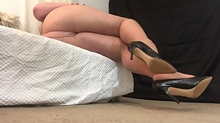 Sexy BBW Pantyhose Leg and Feet Worship